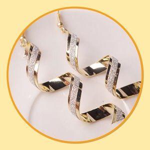 Jewelry - ⚡️New⚡️Spiral Twist Long Dangle Hook Earrings⚡️